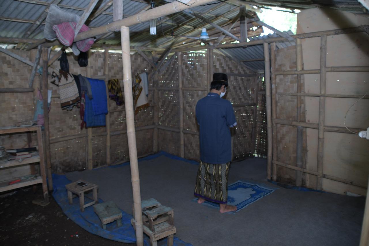https://5p4c3.sgp1.cdn.digitaloceanspaces.com/harapandhuafa/public/sedekah-jariyah-bangun-musholla-layak-warga-persaba-kebon-campaign-body-4.jpg